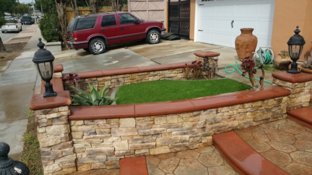 synthetic turf lawn installation